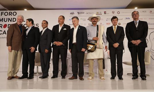 Fotografía de representantes asistentes al primer foro mundial del café de 2017 en Medellín, Colombia.