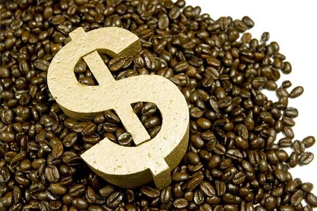 Importar y exportar café: Granos de café y signo pesos. Representa el valor del café como bien exportable.